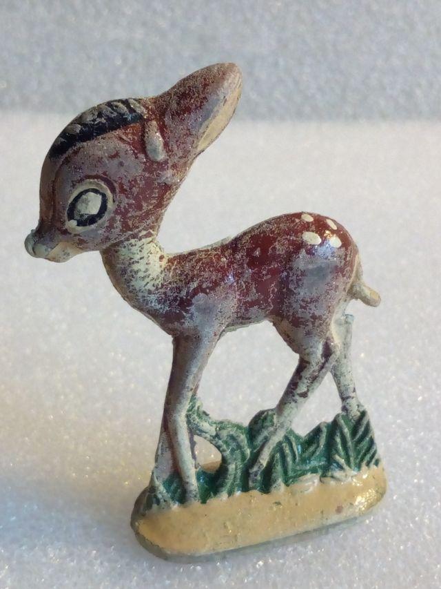 figura en goma bambi disney años 50