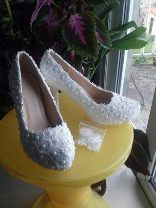 tacones zapatos de novia perlas