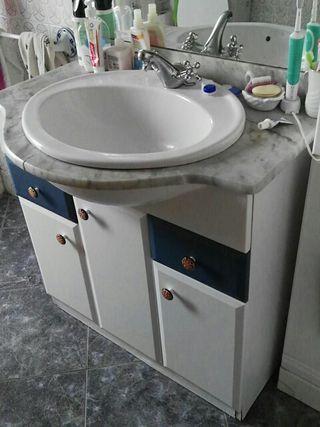 lavabo con armario de baño