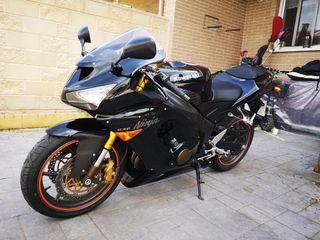Kawasaki ninja Zx6r como nueva-10.000km