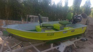 Barca de pesca de aluminio