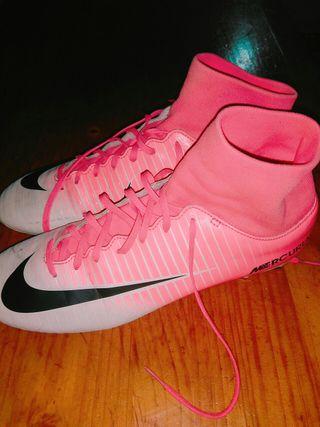 crampons Nike Mercurial