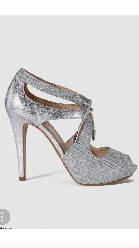preciosos zapatos de novia color plata de segunda mano por 60 € en