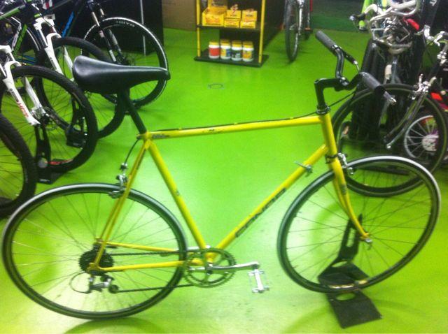 Bicicleta fixie (hibrida) conor