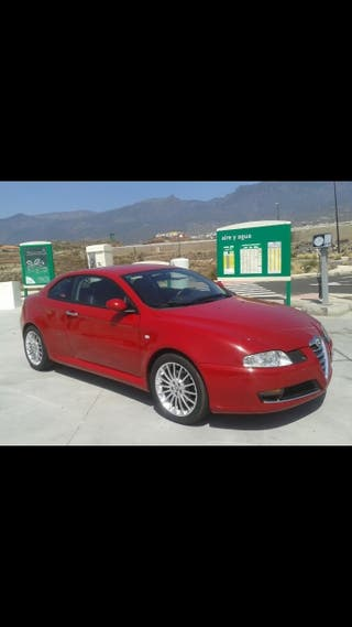 Alfa Romeo GT rojo 1.9 JTD collezione