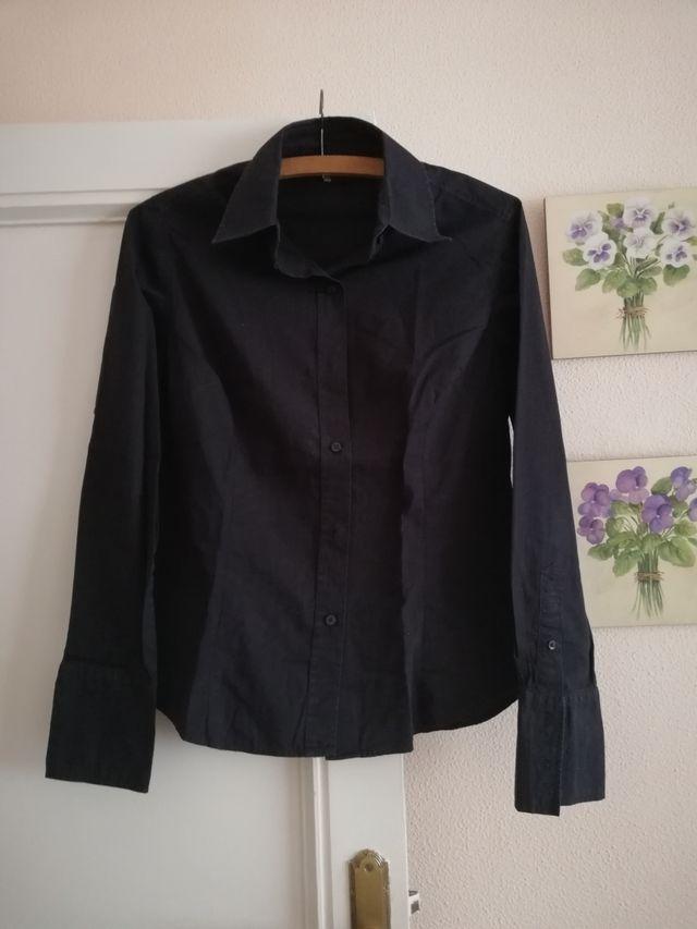 c1f623a7d Camisa negra Zara mujer de segunda mano por 4,99 € en Madrid en WALLAPOP