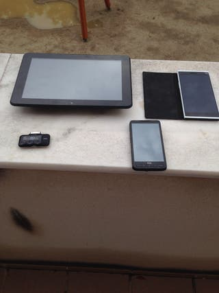 Dos moviles y tablet