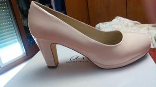 Zapatos talla 40, un solo uso!