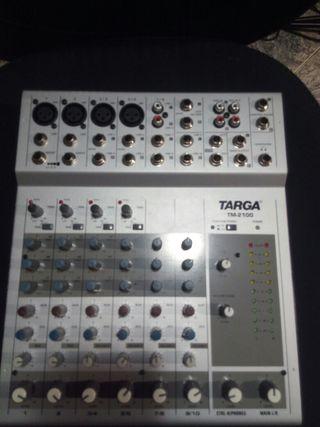 mesa de mezclas Targa 2100.
