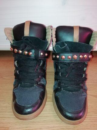 Sneakers negras de Zara. Talla 36