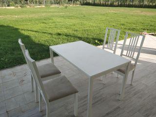 Mesa de cocina comedor con sillas