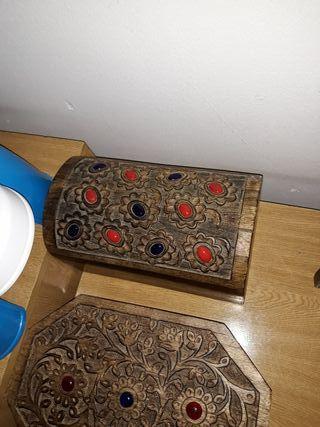 caja de madera decorativa