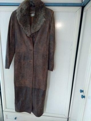 Impresionante abrigo piel