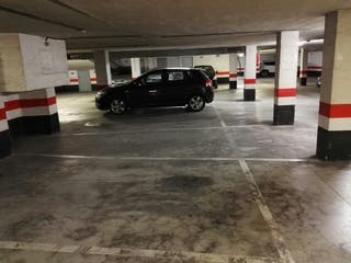 se alquila parcela de garaje centro de durango!!