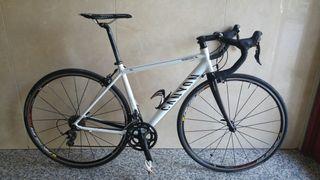 Bicicleta carretera CANYON
