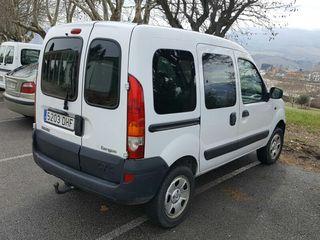 Renault Kangoo 4x4 con gancho 2005