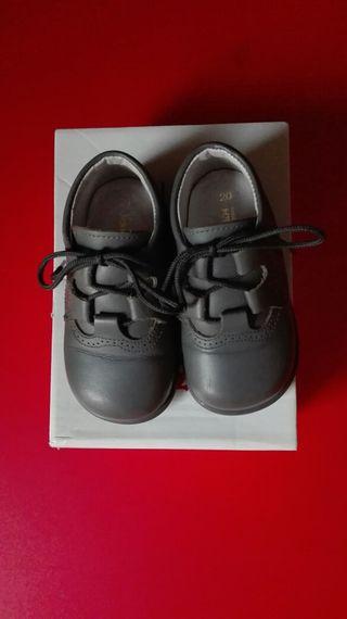 Zapatos niño n. 20