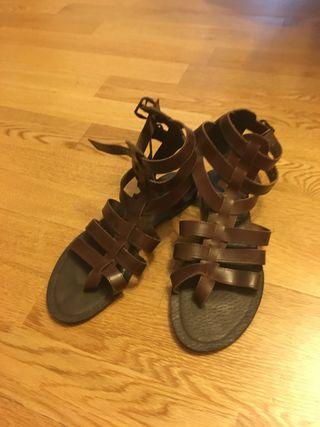 Sandalias romanas piel