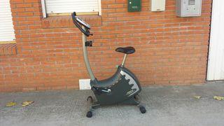 Bicicleta estática marca RHINO