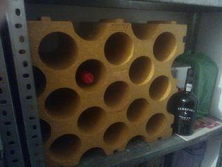 Botellero de poliestireno + botella de O'Porto