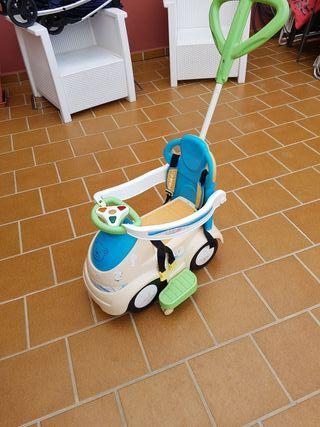 cochecito para pasear al bebe