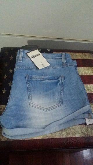 Shorts nuevos con etiqueta