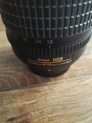 Objetivo Nikon 18-135