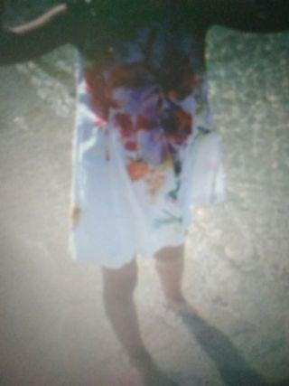 vestido blanco con flores de zara, talla 4-5