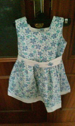 vestido azul florecitas