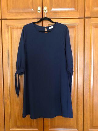 Vestido azul de la marca Vila