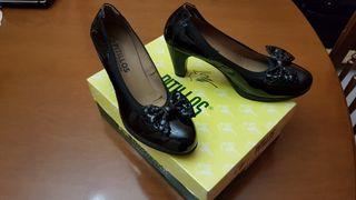 Zapatos mujer de segunda mano por 15 € en Das Arieiras en