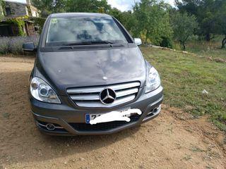 Mercedes-Benz Clase B 180 D aut. solo 41.000 km.