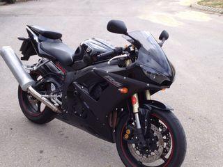 Yamaha r6 negra 2007