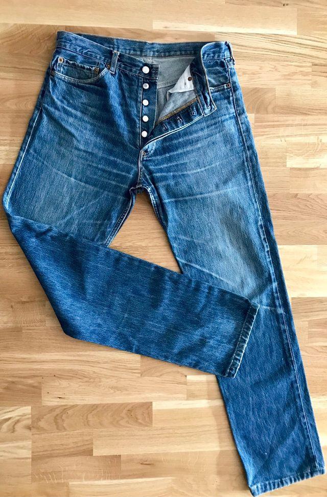 bf0c3035d1a Pantalones Levis 501 de segunda mano por 28 € en Getxo en WALLAPOP