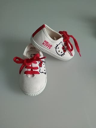 Zapatillas Hello Kitty. Talla 19.