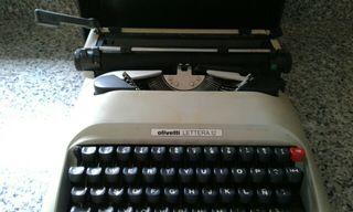 maquina de escribir olivetti lettera12