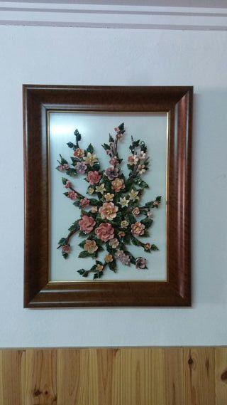 cuadro de flores de porcelana