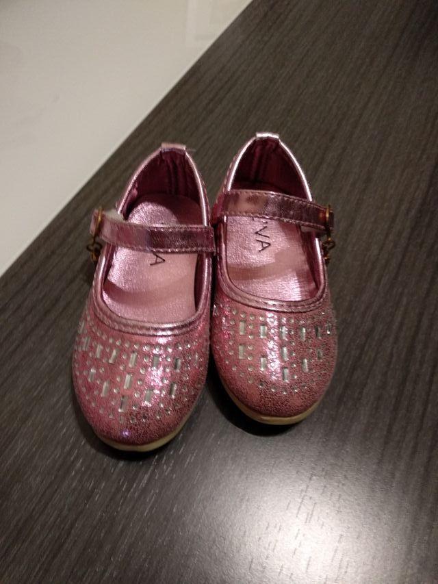 77bbc15443fec Zapatos bebe talla 22 de segunda mano por 5 € en Collado Villalba en ...