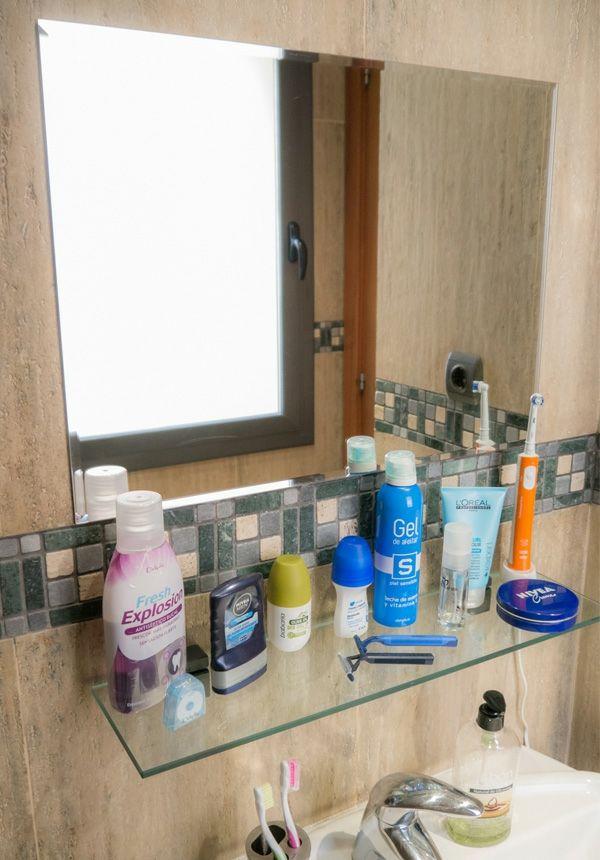 Espejo de baño y balda