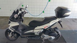 Moto 300cc aprilia srmax 300cc inyección