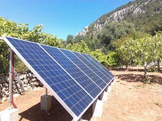 Placas luz. Instalación fotovoltaica muy potente