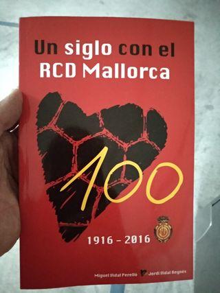 """libro""""un siglo con el rcd mallorca"""""""
