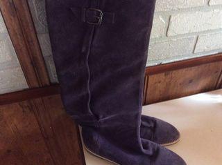 Botas de ante color morado