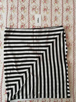 Falda nueva de tubo