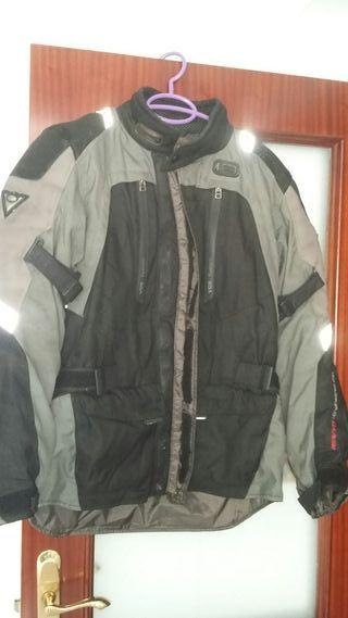 chaquete y pantalon moto