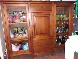Muebles de comedor: aparador, mesa t.v. y librería