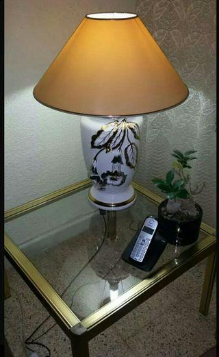 Mesa vintage y lámpara duo