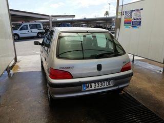 coche peogeut 106