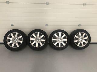 4 Llantas VW ORIGINALES R16 con neumaticos