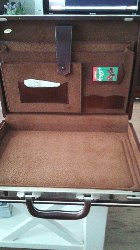 Portafolio, maletín de piel. Nuevo